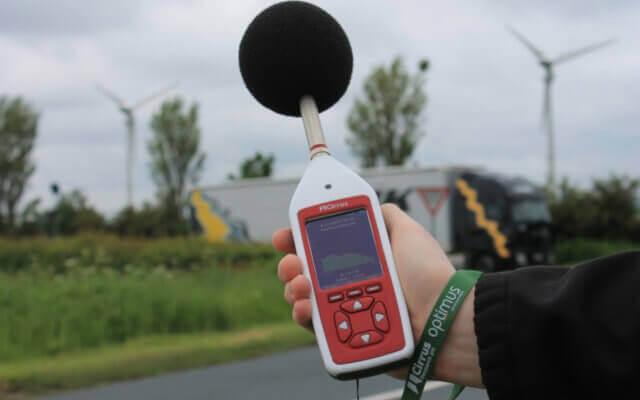Verkehrs- und Autolärm messen