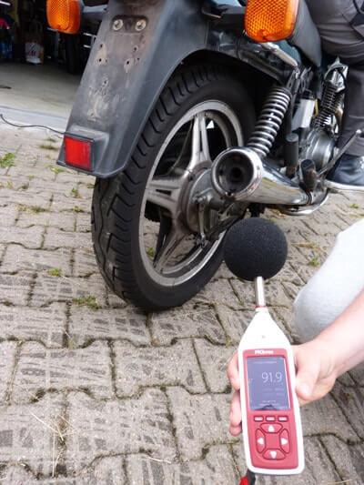 Motorrad Honda CB 400n Lautstärke Messung