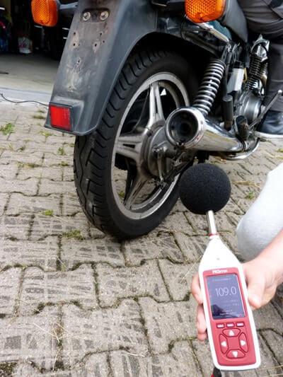 Motorrad Honda CB 400n Lautstärke Pegelmessung